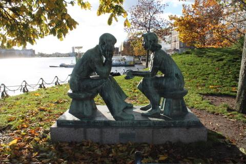 Zusammen sien und miteinander Zeit verbringen, das empfehlen die Dänen.