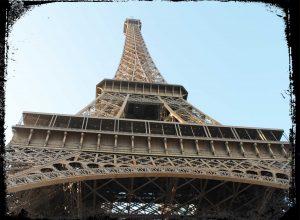 In Paris ist man ganz einfach elektromobil unterwegs mit einem Rad oder Roller