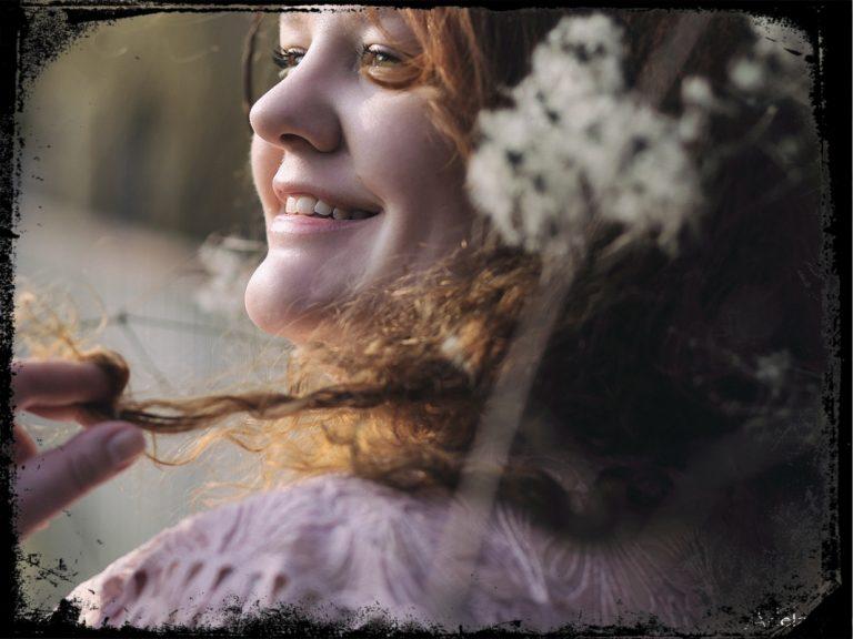 Marshmallow Maedchen Portraet Adelas Peculiar Sense frame 768x576 - Gastartikel Info Booster